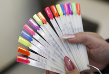 Nathalie Nails - Galeries Photos couleur fluo Diva semi permanent avec Diamond Line